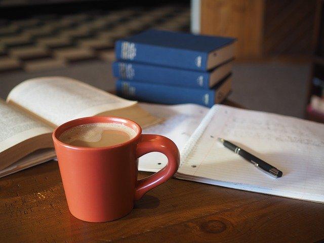 コーヒーと勉強道具